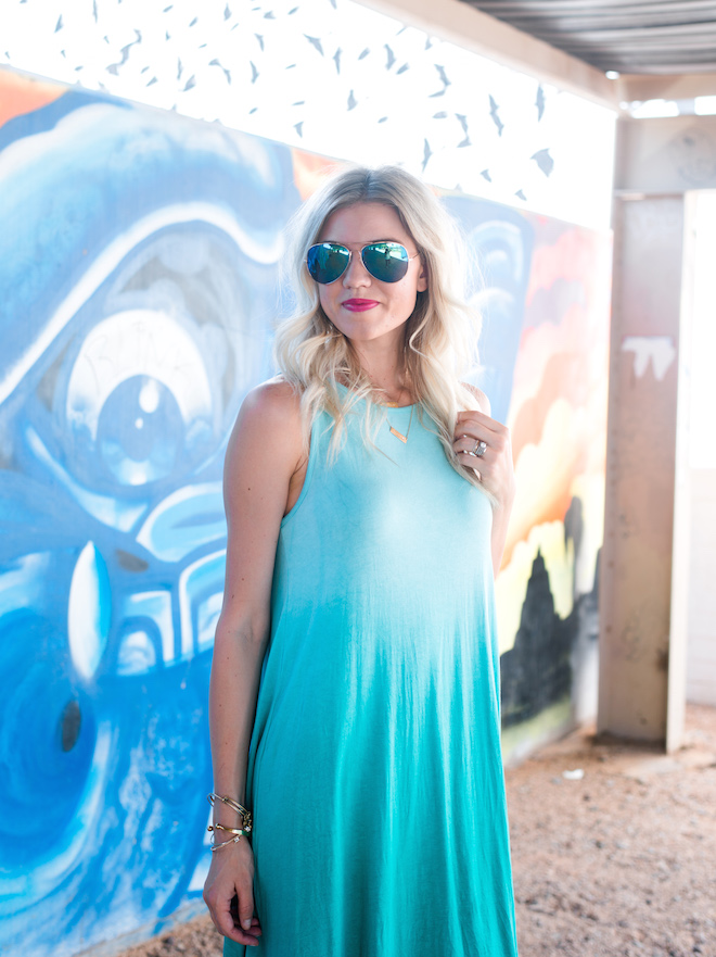 Spotlight Fashion Link-Up | Best Sunglasses for Women by fashion blogger Larissa from Living in Color
