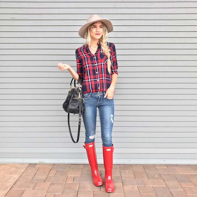 How To Style Hunter Boots + Hunter Boots Giveaway!