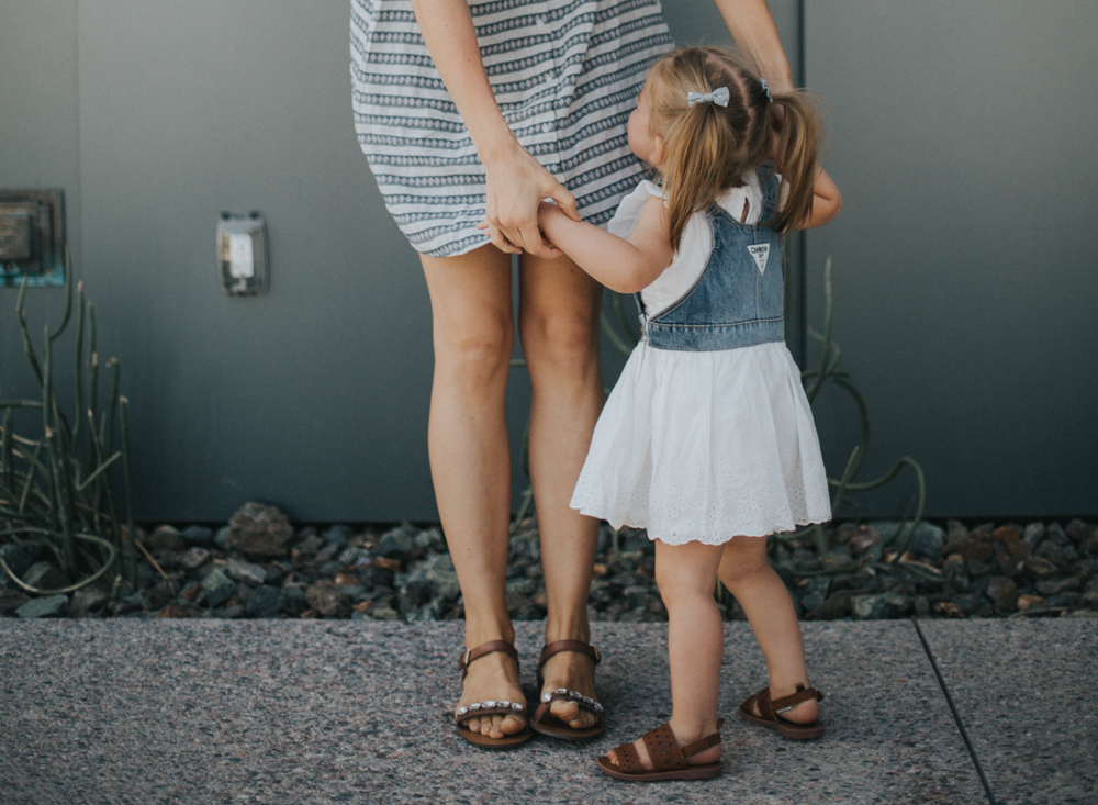 Lifestyle and kids fashion blogger Larissa of Living in Color shares tips for how to make kids clothes last longer. Read more now!