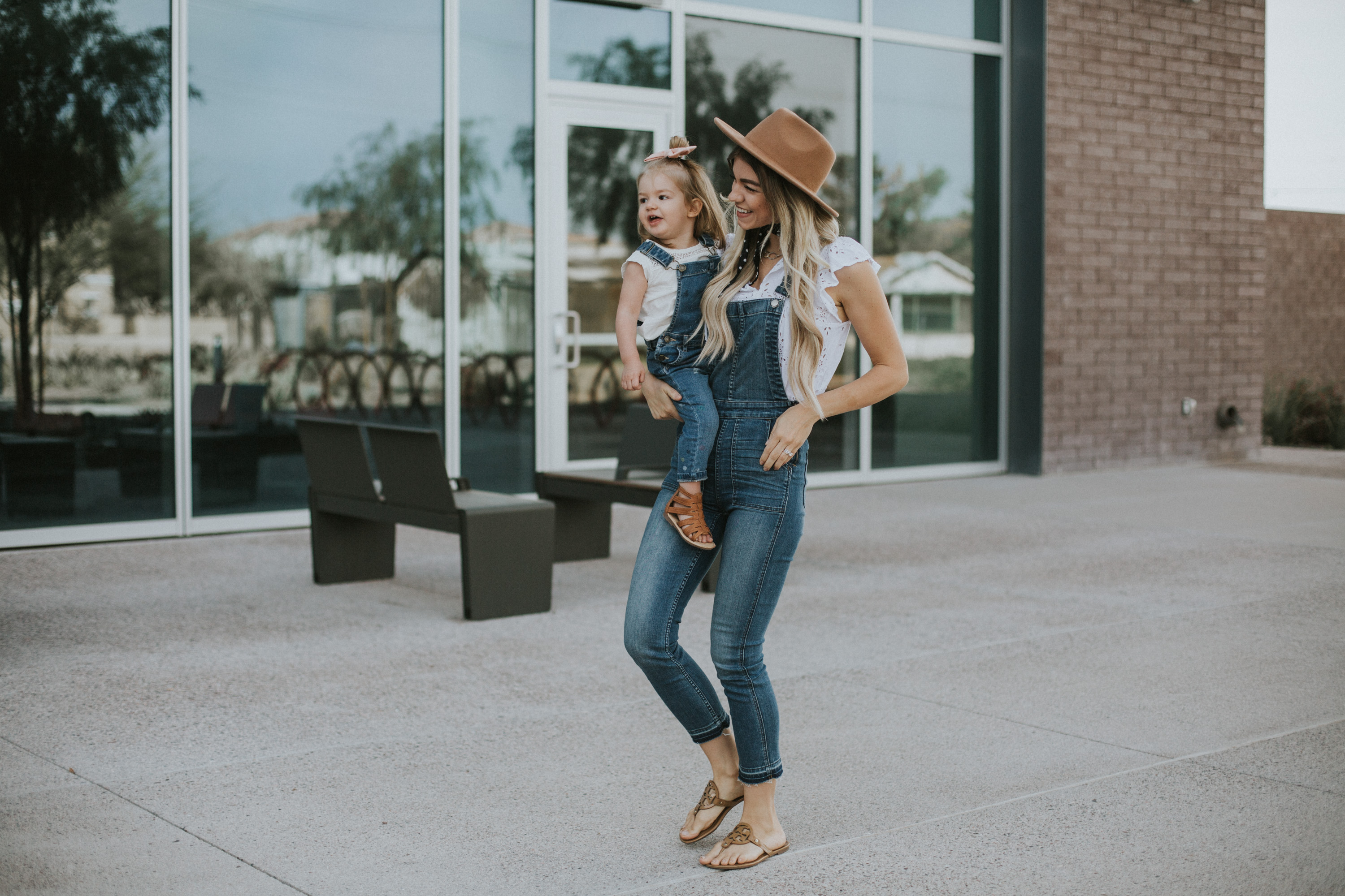 Fashion and style blogger Larissa of Living in Color blog shares an expert's tips on how to style overalls. Read more now.