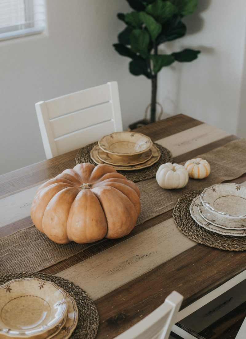 Easy, Kid-Friendly Thanksgiving Tablescape
