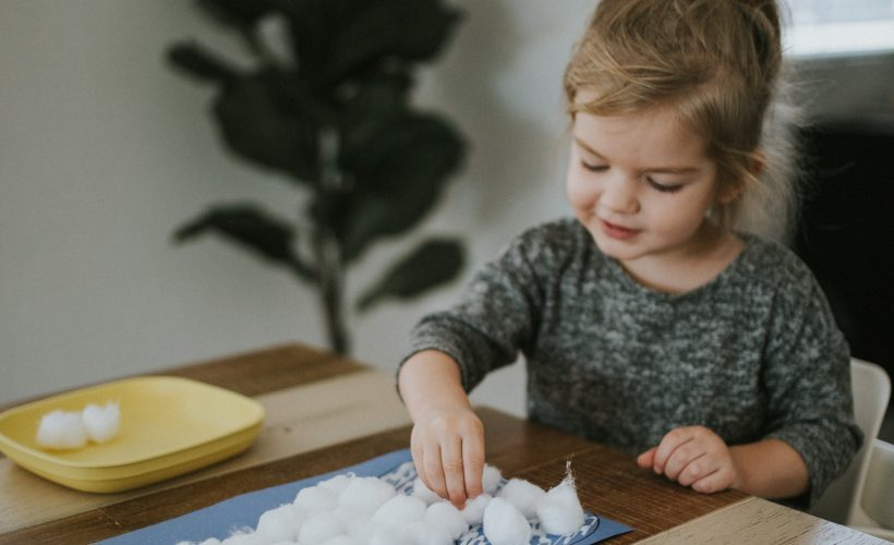 Three Easy Holiday Crafts to do With Kids